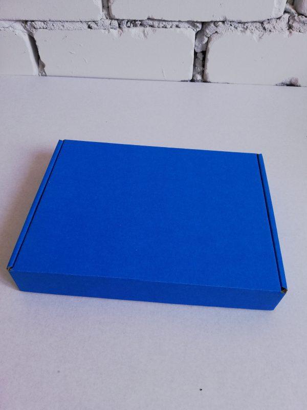 Коробка синяя откидной крышкой